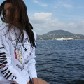 SansRival – woman wearing white longsleeve – bull style – Saint Tropez