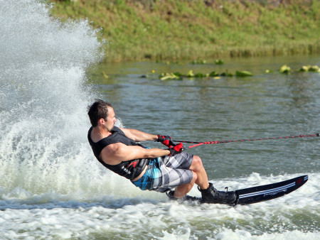 SansRival - water skiing - vest - handle - waterski - watersport - action